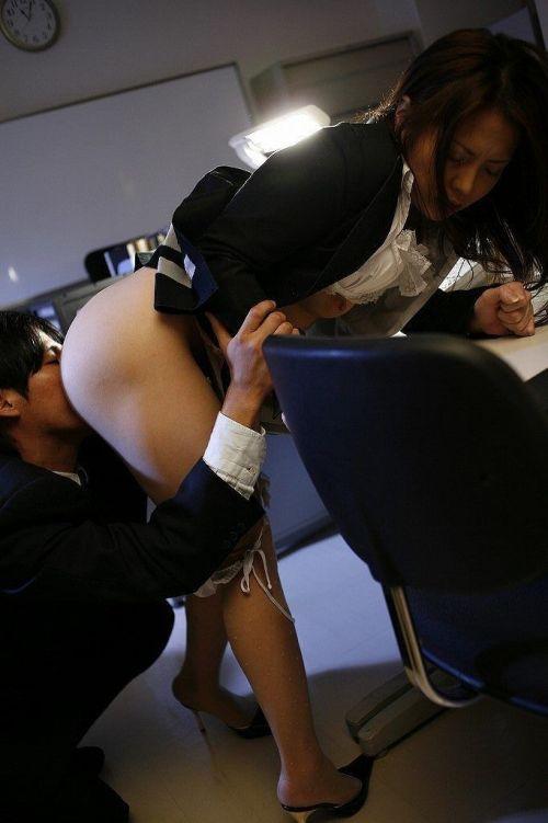 女性器を必死に舐め回すクンニのエロ画像 40枚 No.30