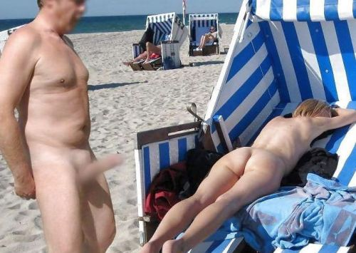 ヌーディストビーチでご機嫌な外人の全裸盗撮画像 37枚 No.2
