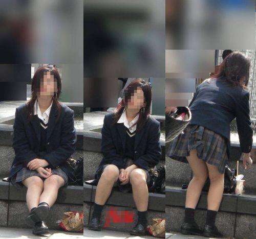 【盗撮画像】パンチラするって分かってて地べたに座り込むJKまとめ 44枚 No.35