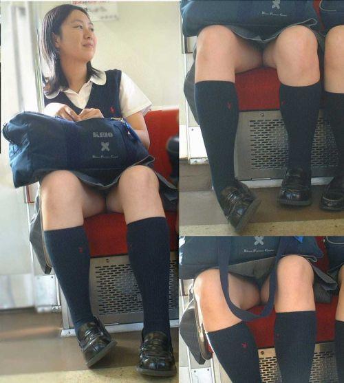 【エロ画像】電車通学中のJKが太もも見せつけてきてエロ過ぎ! 35枚 No.30