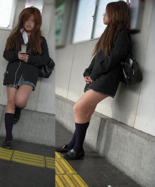 【エロ画像】電車通学中のJKが太もも見せつけてきてエロ過ぎ! 35枚 No.32