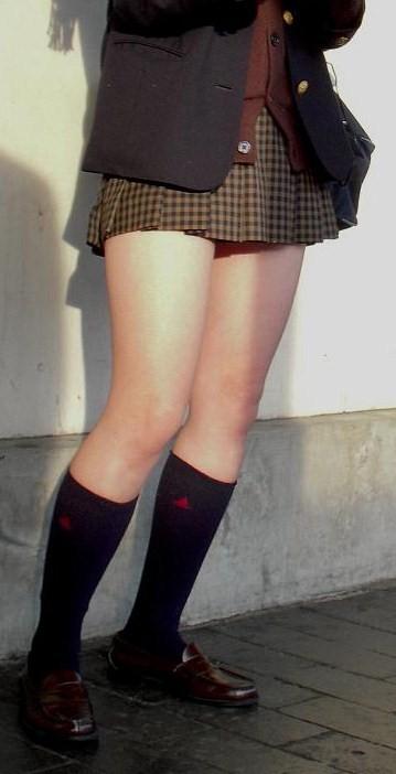 【盗撮画像】素足がスベスベでフレッシュなJKのナマ足エロ過ぎ! 39枚 No.22
