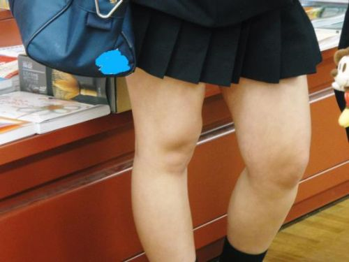 【盗撮画像】素足がスベスベでフレッシュなJKのナマ足エロ過ぎ! 39枚 No.29