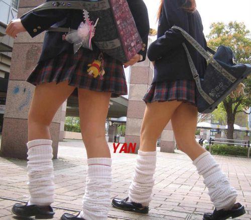 【盗撮画像】素足がスベスベでフレッシュなJKのナマ足エロ過ぎ! 39枚 No.34
