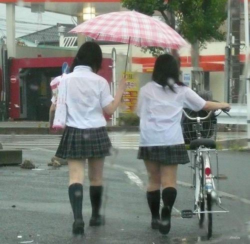 【画像】女子高生の透けたブラジャーの色が濃いとエロランジェリー状態 35枚 No.16
