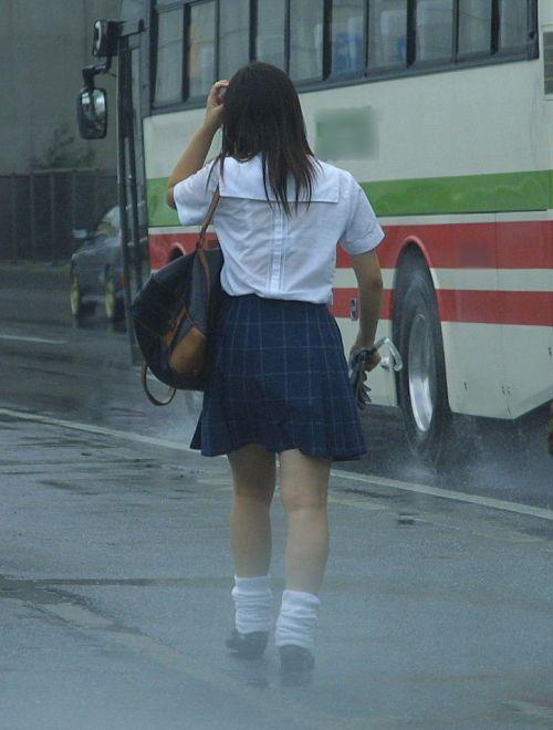【画像】女子高生の透けたブラジャーの色が濃いとエロランジェリー状態 35枚 No.22