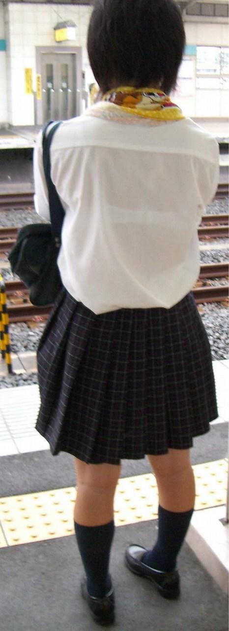 【画像】女子高生の透けたブラジャーの色が濃いとエロランジェリー状態 35枚 No.29