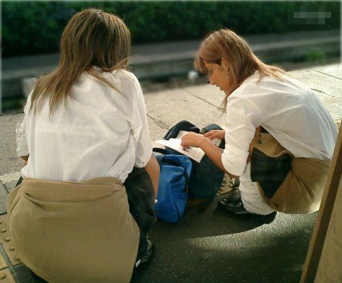 【画像】女子高生の透けたブラジャーの色が濃いとエロランジェリー状態 35枚 No.32