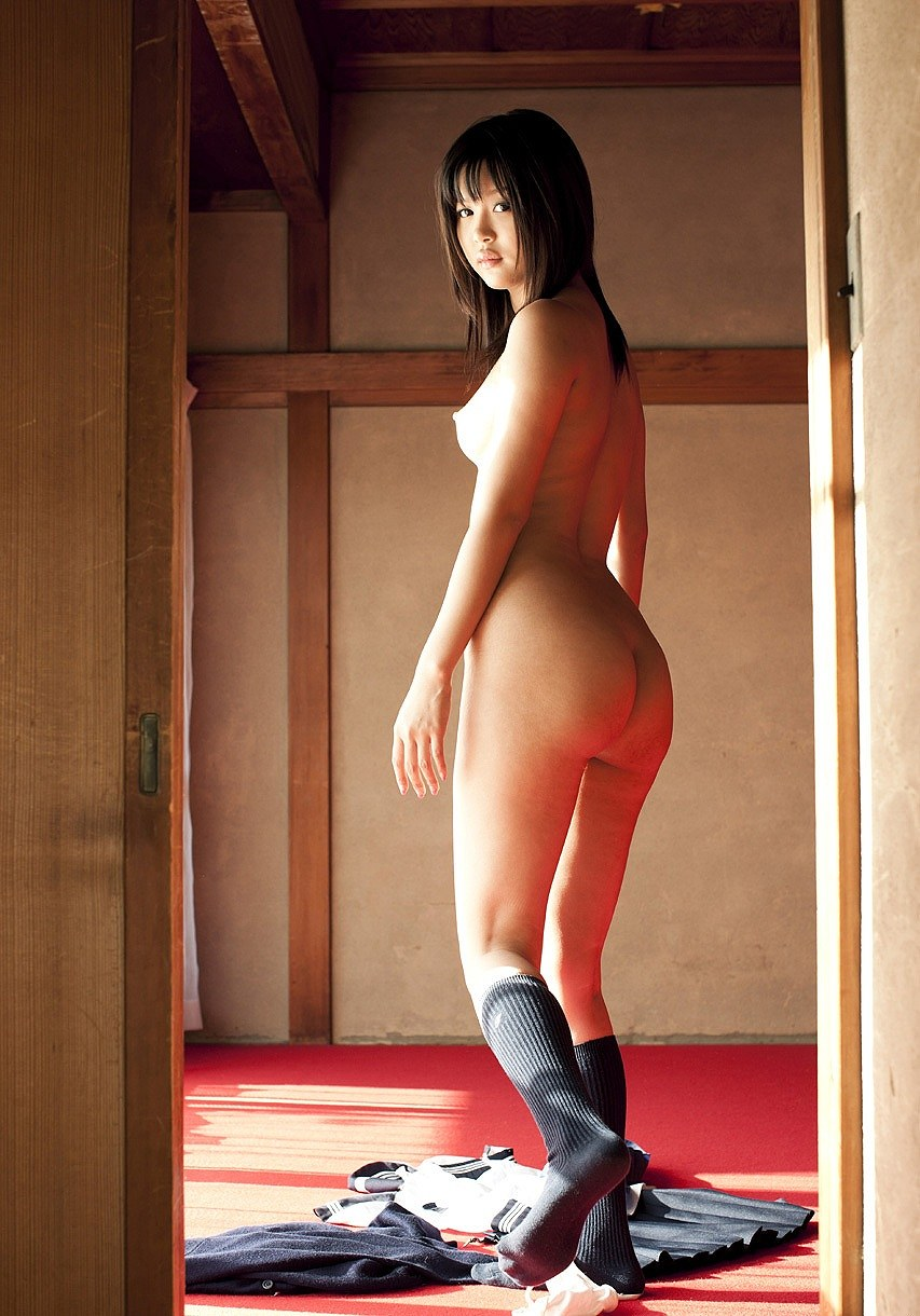 葵つかさ(あおいつかさ) 紐パンセーラー服、黒ガーターベルトでおっぱいをさらけ出しちゃうAV女優エロ画像 104枚 No.41
