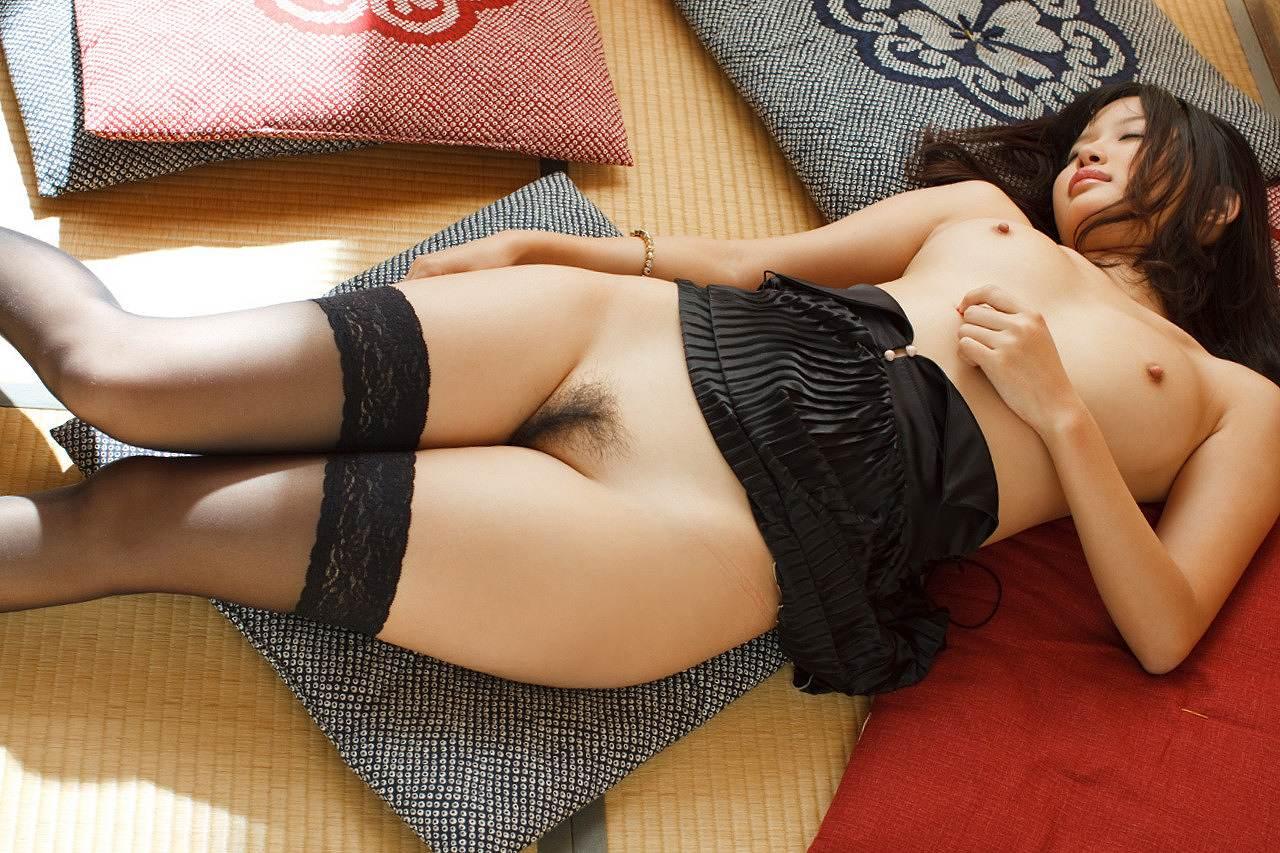 葵つかさ(あおいつかさ) 紐パンセーラー服、黒ガーターベルトでおっぱいをさらけ出しちゃうAV女優エロ画像 104枚 No.86