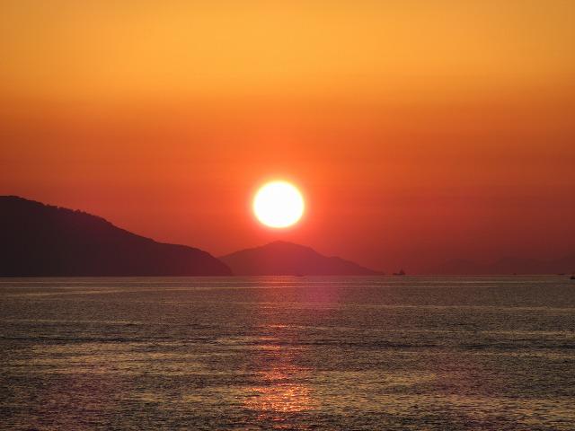 沈む 夕陽 NO3 27.10.18