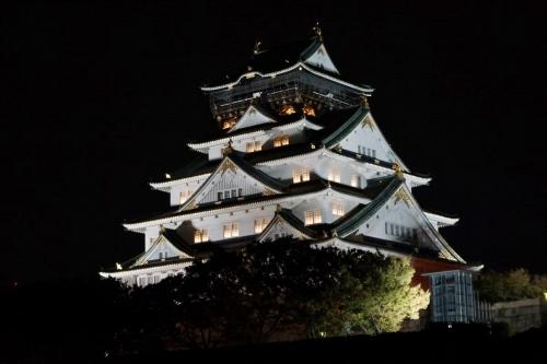 8夜の大阪城 (1200x800)