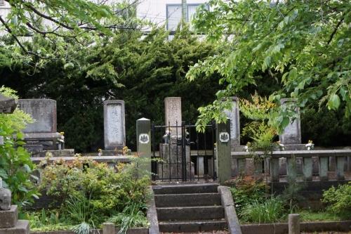 4左内の墓 (1200x800)