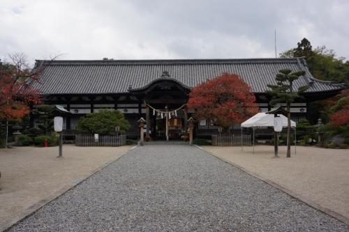 2誉田拝殿 (1200x800)