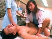 アナルがヤバイ急患をペニバン前立腺刺激で治療する痴女医と痴女ナース