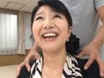 人妻熟女動画 : 【巨乳】耳元を愛撫され感じてしまう五十路素人熟女の初撮りSEX