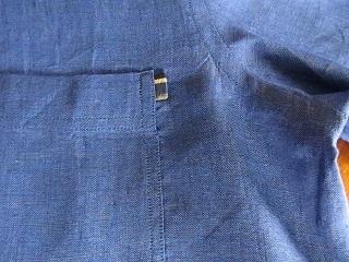 ポケット脇。