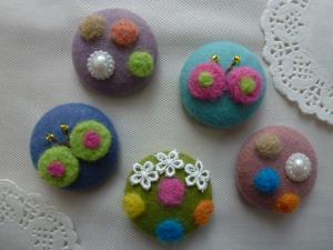 羊毛刺繍のボタン0920