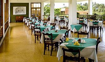 b-acc-restaurant03.jpg