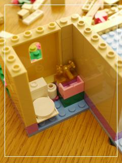 LEGOHeartlakeFoodMarket09.jpg