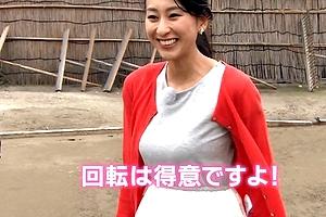 オッパイが魅力の浅田舞ちゃんがちょこっと胸ちらwww