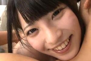 超可愛い美10代小娘の笑顔に癒される潜望鏡フェラチオ