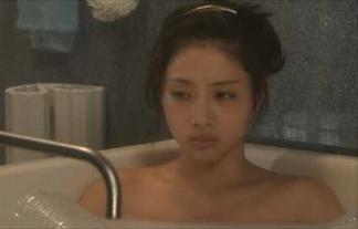 【お宝】石原さとみがドラマで入浴シーンwww視聴率の為に脱いだかwwwww【TVキャプ画像】