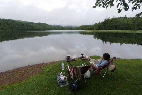 318湖畔の朝食2