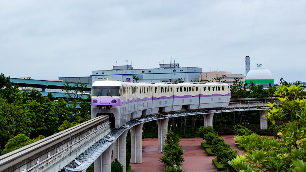 リゾートライナー  紫(東京ディズニーシー・ステーション)