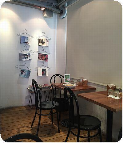 Café Café店内