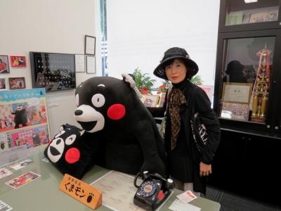 くまモン営業部長室にて記念ショット