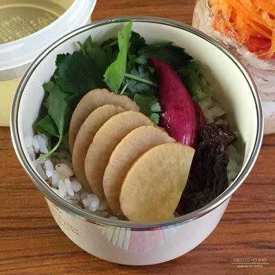 いぶりがっこの出汁茶漬け&豚しゃぶ豆腐サラダ弁当02