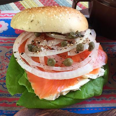 サーモンベーグル&焼き牡蠣のクラムチャウダー弁当02