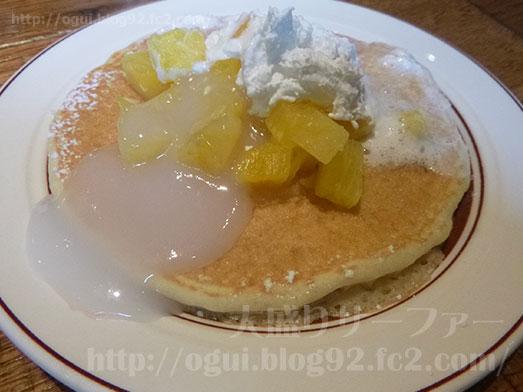 エッグスンシングス銀座店パイナップルパンケーキ060