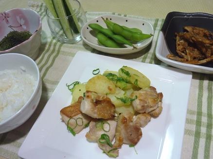 鶏肉とジャガイモの炒め物