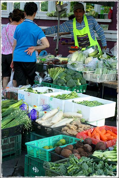 野菜 vegetables ผัก 八百屋 greengrocery ร้านขายผกและผลไม้สด タイ Thai ไทย ルンピニ公園 Lumpini park สวนลุมพินี