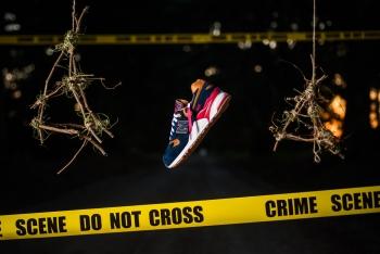 Sneaker_Politics_x_New_Balance_999_999_SP_Case_999_1-2_1024x1024.jpg