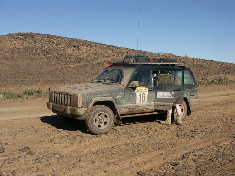 Muddy_jeep_morocco.jpg