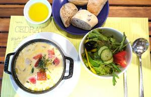チキンと夏野菜のクリームスープ