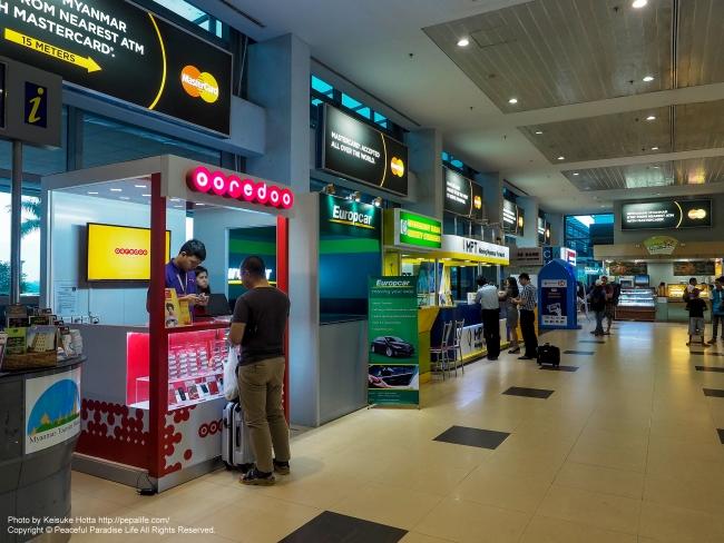 ミャンマーのヤンゴン国際空港到着ロビー