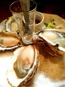 岩牡蠣真牡蠣