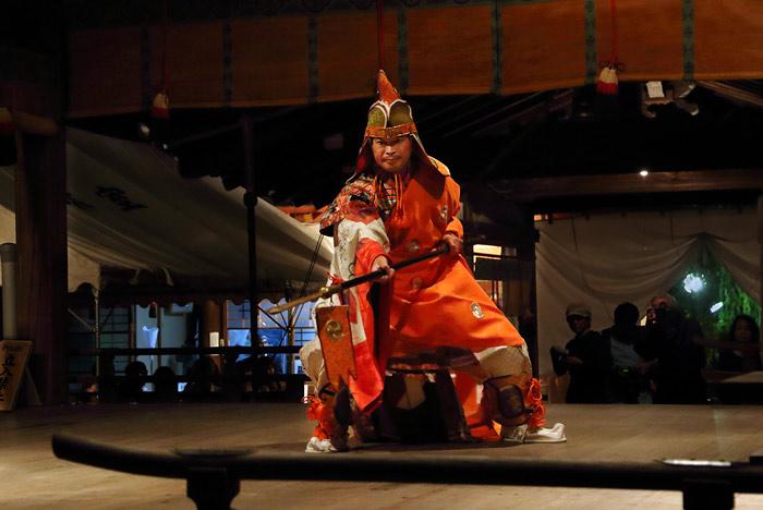 氷室神社 夕座の舞楽1