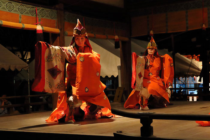 氷室神社 夕座の舞楽2