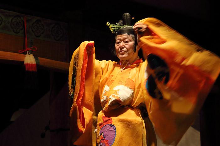 氷室神社 夕座の舞楽3