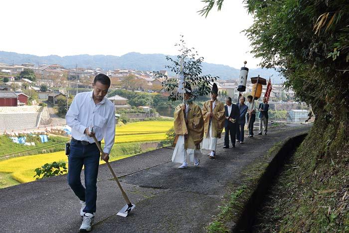 生駒山口神社 オハキ・お渡り2