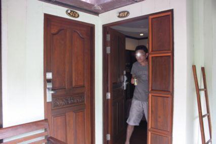 18sepシーシェル部屋入口