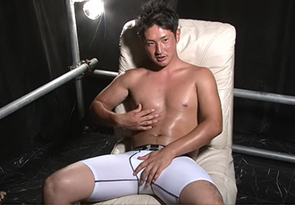 ゲイ動画:下着モデルの撮影と称してラグビー男児を・・ !! 2