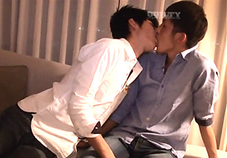 ゲイ動画:キスばかりしてるこの2人、思わず生堀り中出ししちゃった !!