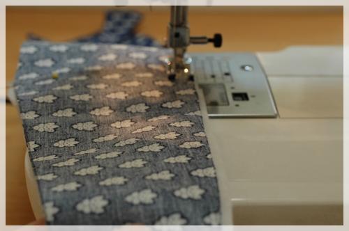 綿と重ねて縫う