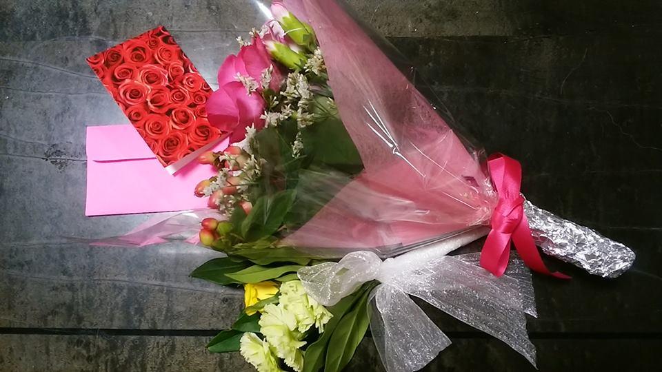 お花とメッセージカード